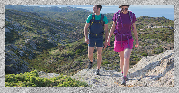 How to choose hiking footwear?